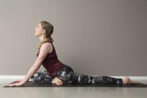 lizzy-wakefield-yoga-pigeon-pose